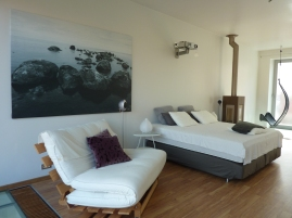 Inblauw gastenkamer - guestroom - design kachel Hase